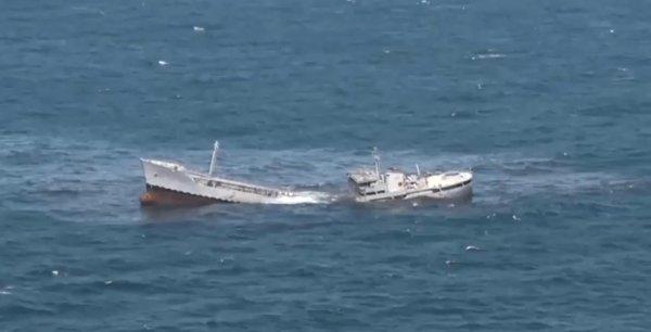 Турецкая подлодка выпустила торпеду по танкеру в Черном море