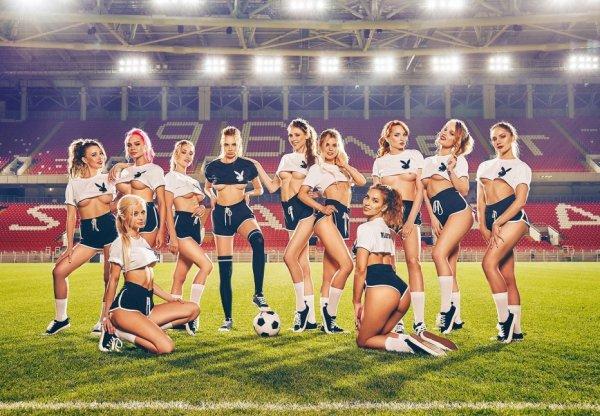 PLAYBOY представил футбольную сборную, состоящую из сексуальных девушек
