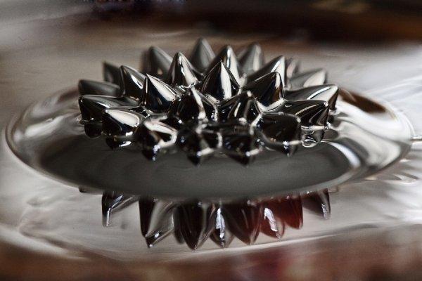 Из жидкого металла и силикона сделали нетоксичную гибкую электронику