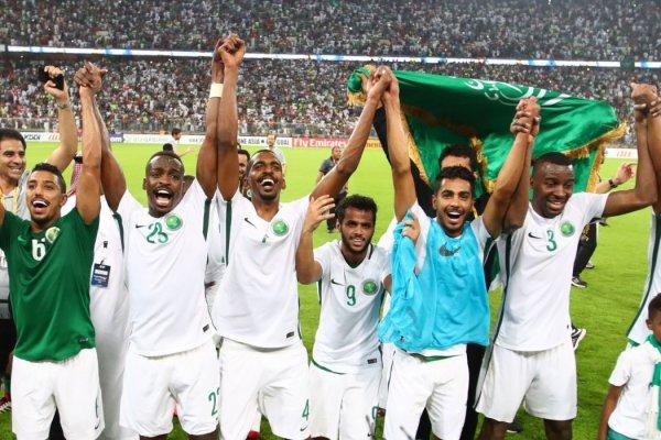 В Федерации футбола Саудовской Аравии опровергли наказание футболистов за поражение от России
