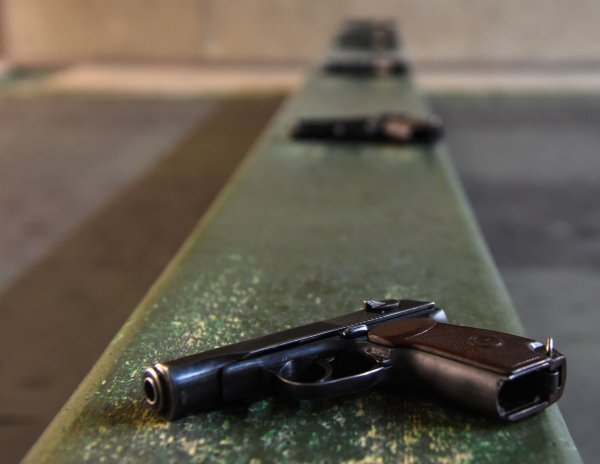Пьяные командиры ВСУ открыли стрельбу из табельного оружия по жителям ЛНР
