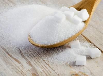 Медики рассказали о полезных свойствах сахара