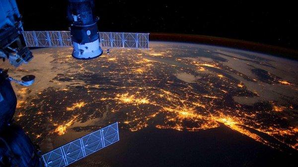 Ученые: Во время поиска искусственных спутников астрофизики могут найти инопланетян