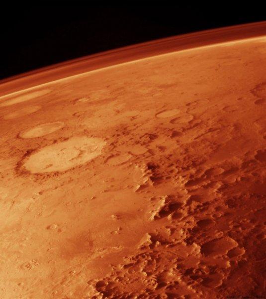 Ученые обнаружили на Марсе источник воды и жизни