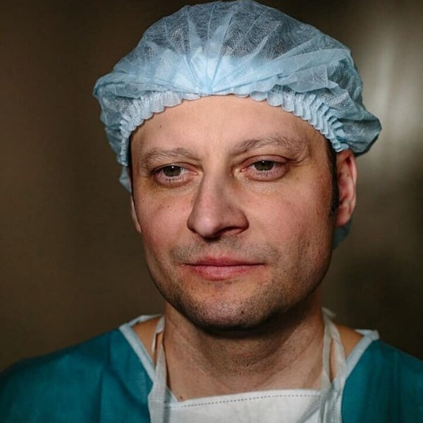 Онколог спас сотни жизней, а теперь сам оказался на пороге смерти из-за рака