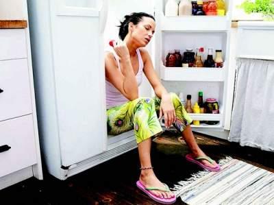 Врачи советуют не есть эти продукты в жару