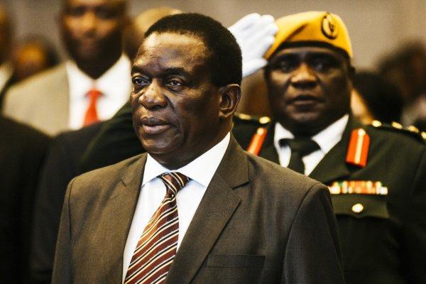 В Зимбабве пытались взорвать президента страны