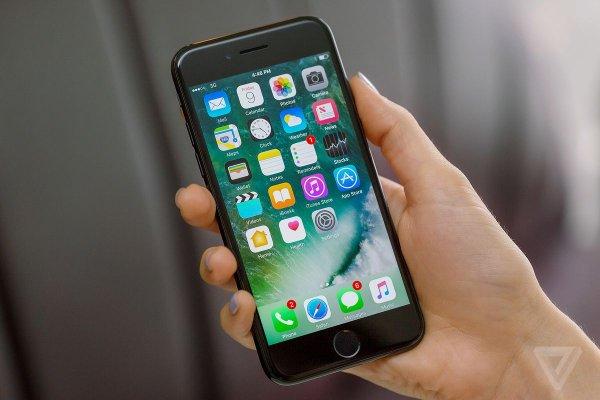 Хакеры взломали iOS 12 еще до ее официального выхода.