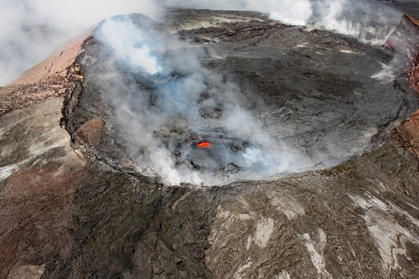 Власти Гавайев усилили наказание за фото с вулканом