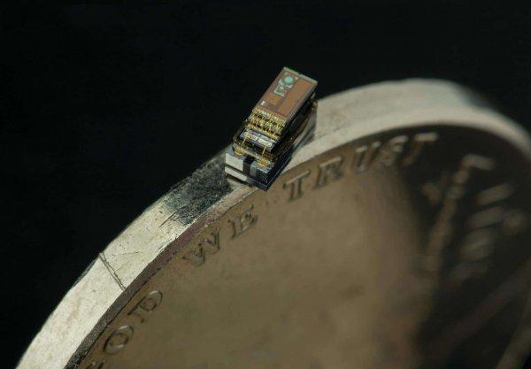 Меньше рисового зерна: Американские ученые создали компьютер шириной 0,3мм