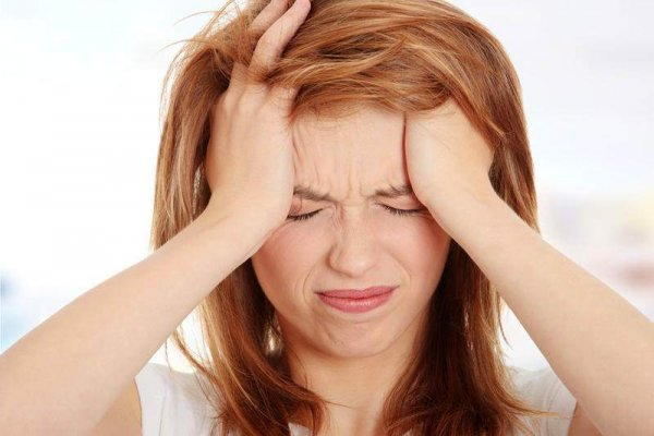 Инсульт и паралич: Ученые назвали опасные болезни, которые бывают из-за мигрени