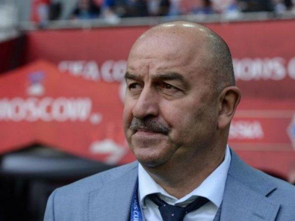 «Пытались хорошо сыграть и в меньшинстве»: Черчесов прокомментировал поражение от Уругвая