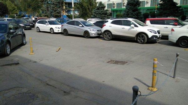 Ростовчан возмутили перекрывшие выезд из ЖК «Тихий Дон» автолюбители
