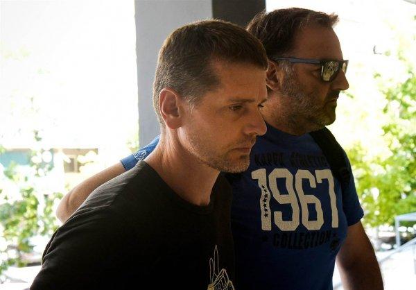 Франция требует от Греции выдать арестованного россиянина Винника