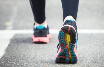 Кроссовки с мягкой подошвой вредны для ног