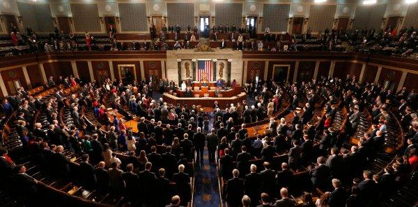 Конгресс США одобрил военный бюджет на