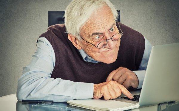 Ученые считают возрастное ухудшение зрения симптомом серьезного недуга
