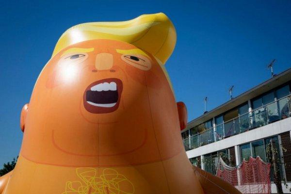 В Британии сделали надувную куклу в знак протеста против Трампа
