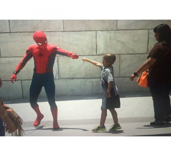 Актер Том Холланд прокомментировал смерть создателя Человека-паука