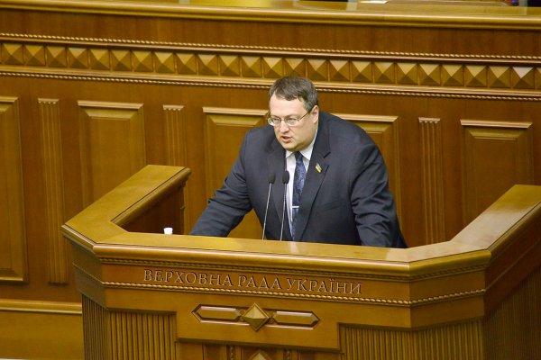 В Раде поведали о «мольбах» Запада не объявлять военное положение в Украине