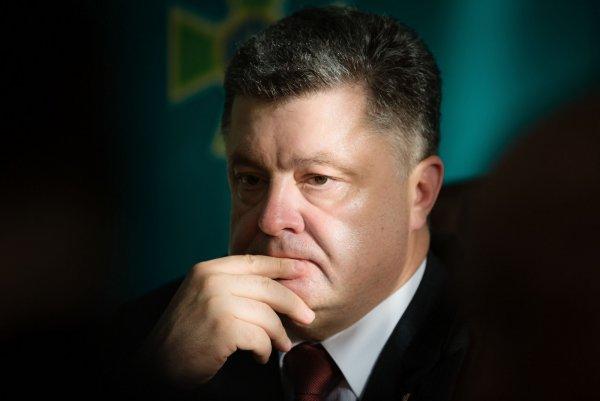 «Давайте жить дружно»: Порошенко предложил отставить политику при обсуждении Волынской резни