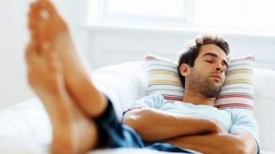 Врачи объяснили, как дневной сон влияет на здоровье
