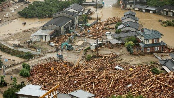 Число жертв последствий ливней в Японии увеличилось до 179 человек