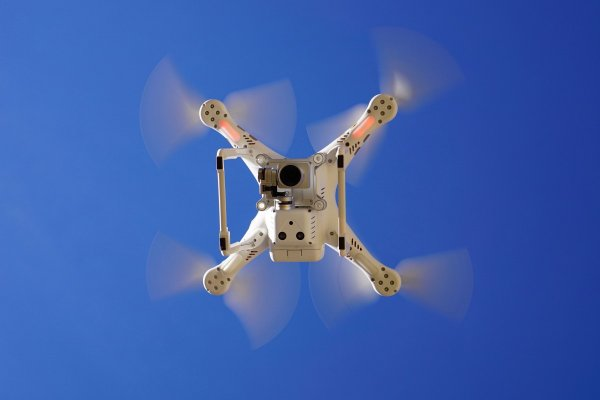 В Тольятти прошли первые испытания дрона, способного улучшить экологию Волги