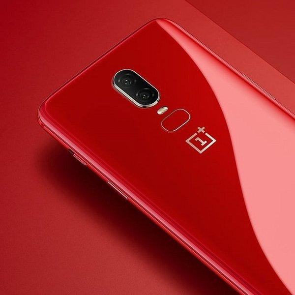 На смартфоне One Plus 6 появляются необъяснимые трещины