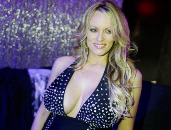 Подавшая на Трампа в суд порноактриса была арестована в стриптиз-клубе
