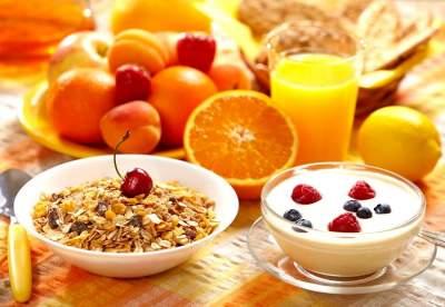 Названа оптимальная калорийность полезного завтрака