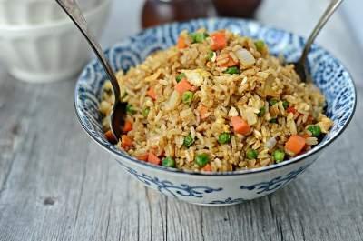 Диетологи подсказали, как похудеть с помощью коричневого риса