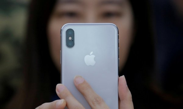 Аналитики подсчитали, что Apple до конца 2018 года продаст 91 миллион iPhone с Face ID