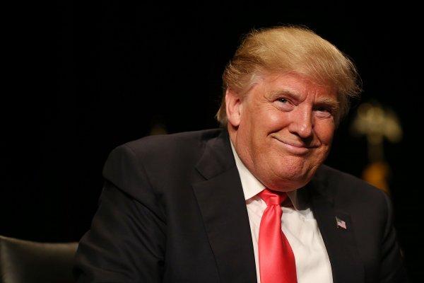 Политолог: рейтинг Трампа падает всё ниже
