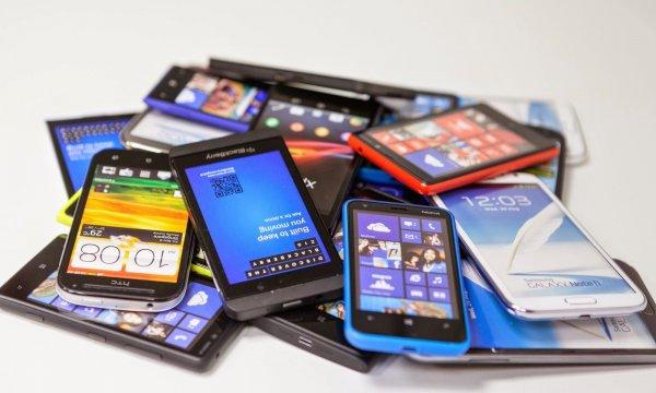 Эксперты назвали ТОП-3 лучших смартфонов дешевле 0