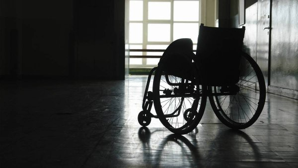 Инвалиду из Пензы приходится жить в сумерках