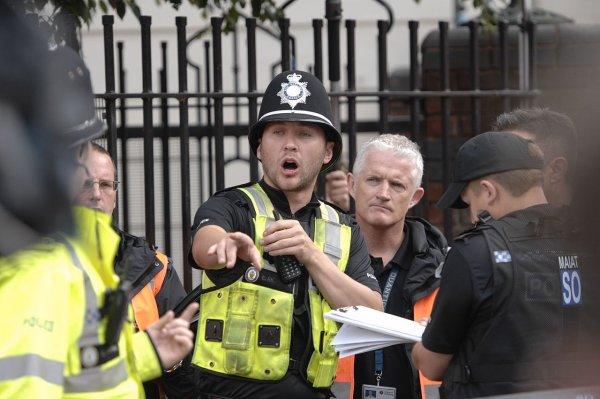 Эксгибиционист своим детородным органом испортил отдых британским туристкам