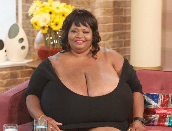 Гигантский бюст – тяжелая ноша: Обладательница самой большой натуральной груди рассказала, как проходит ее жизнь