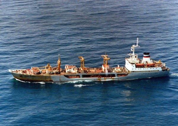 Экипаж «Механика Погодина» предотвратил новую попытку проникновения на судно