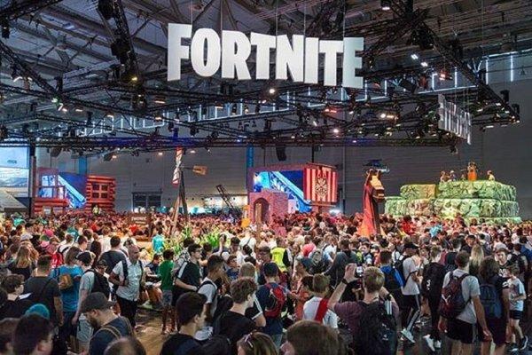 Фанат Gamescom «сходил в туалет» прямо в зале ради сохранения места в очереди