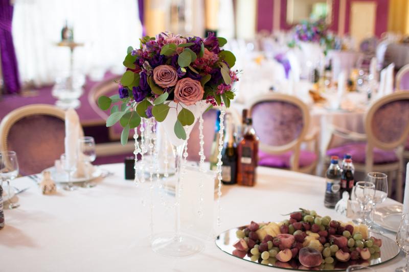 Доставка свежих цветов для оформления свадебной церемонии