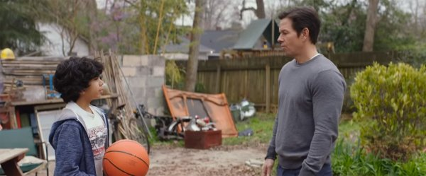 Трейлер фильма «Семья по-быстрому» с Марком Уолбергом показали в Сети