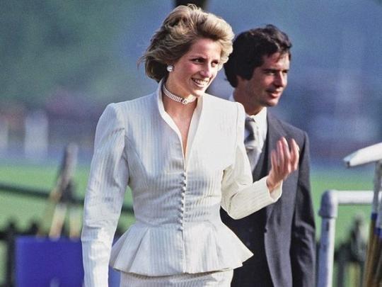 Во Франции от рака умер любовник принцессы Дианы