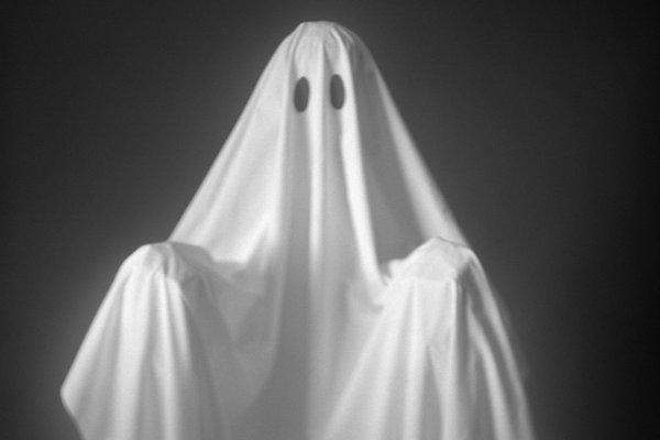 В Англии видеокамеры сняли жуткого призрака рядом с детской кроваткой