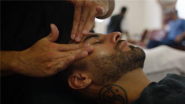Заключенные в американских тюрьмах смогут стать мастерами-косметологами