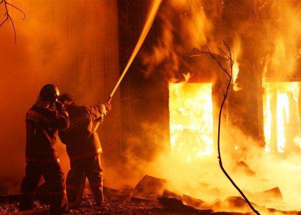 Женщину посадили на 74 года из-за пожарных, погибших в устроенном ей пожаре