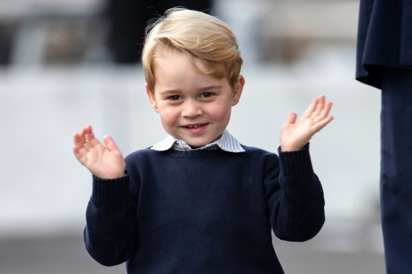 «Ангел на земле»: Кукольная внешность сына Кейт Миддлтон поразила фанатов