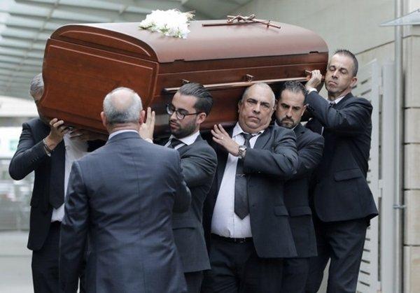 В Барселоне похоронили оперную певицу Монсеррат Кабалье