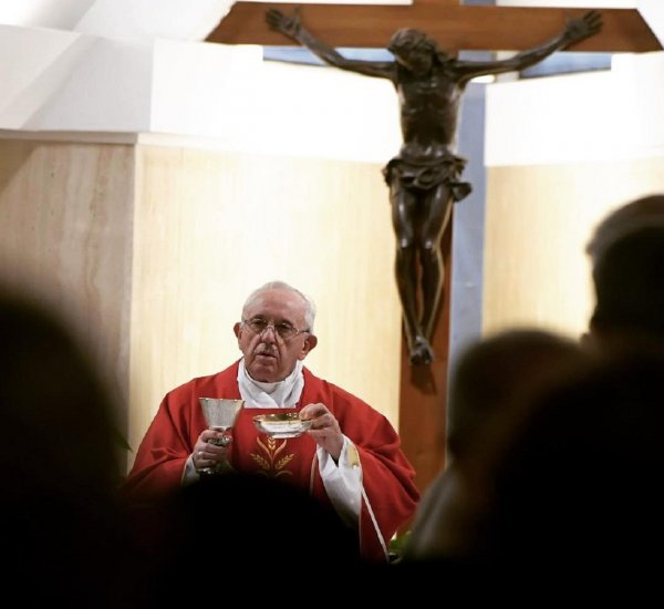 В Ватикане причислили к лику «святых» папу римского Павла VI и архиепископа Ромеро