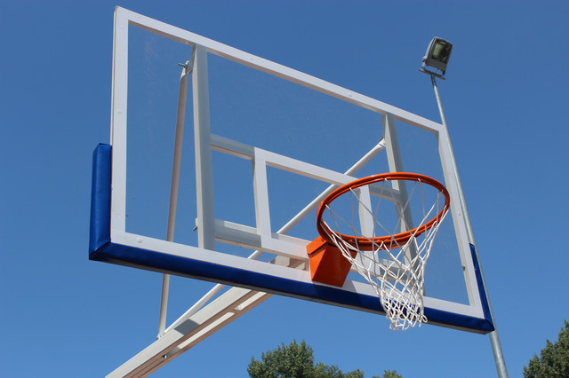 Баскетбольные щиты и кольца отличного качества по доступным ценам